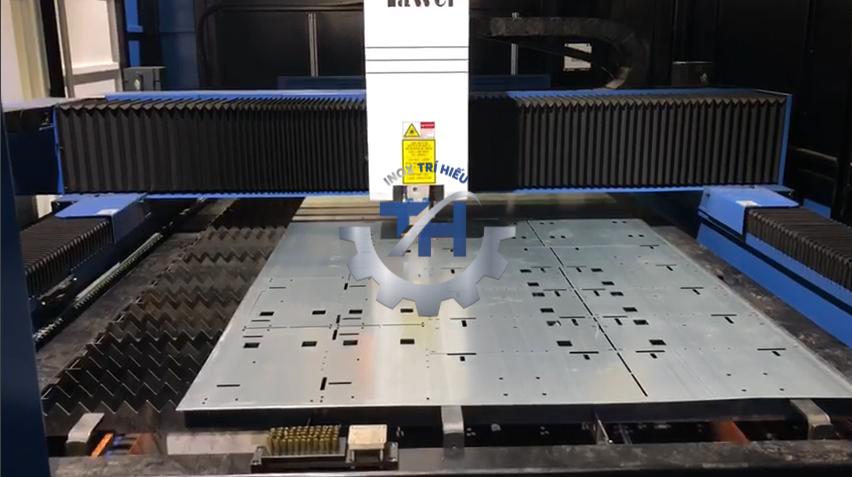 Máy cắt laser công nghệ cao, đảm bảo chính xác từng chi tiết