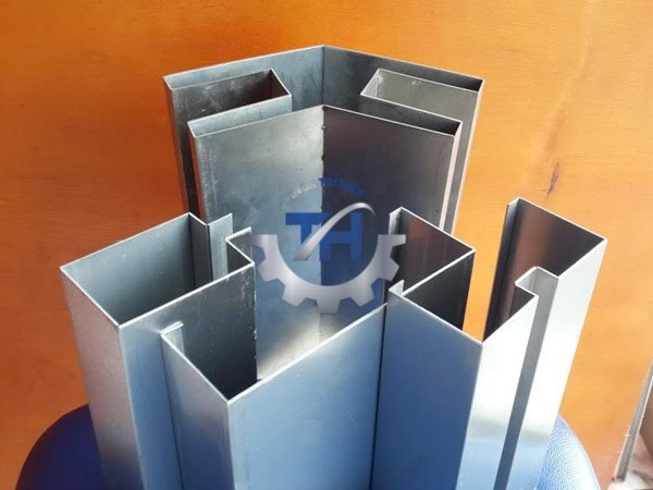 Các bộ phận của máy gia công chấn - chặt