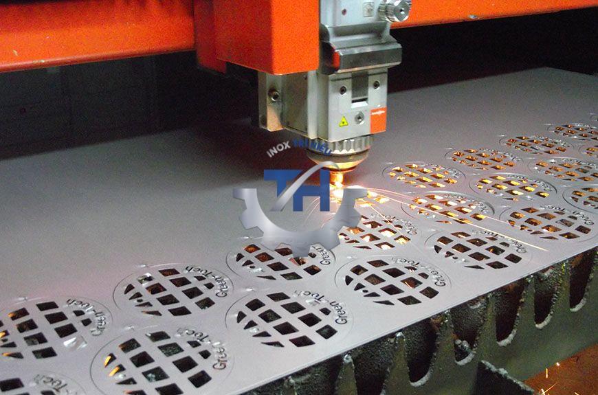 cắt laser kim loại bằng tia laser