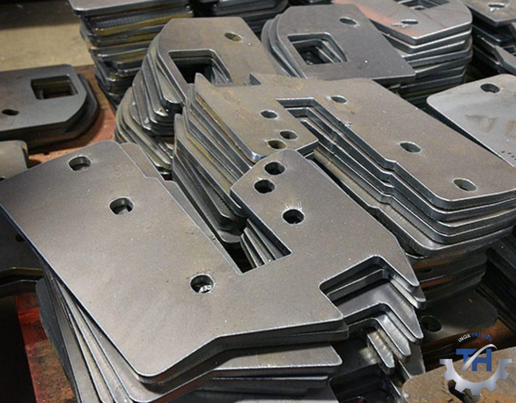 cắt laser kim loại làm các chi tiết máy